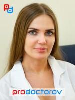 v-kabinete-ginekologa-parochka-tetya-s-goloy-pizdoy
